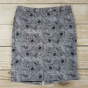 Liz Claiborne black Paisley print pencil skirt